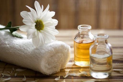 aromathérapie avec des huiles de massage